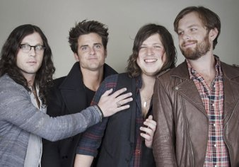 Kings of Leon, Young The Giant